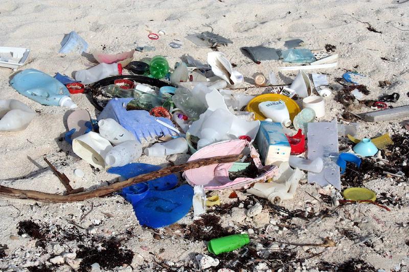 Beach Garbage: Image credit: John Schneider.