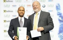 Award-winning environmental entrepreneur Wayne Neale (left). Image: via the Saint Lucia Star