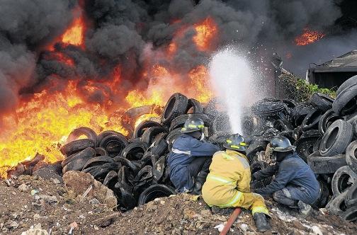 Riverton fire. Image: via Mixx 102.